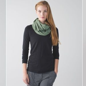 Lululemon Vinyasa Stripe Snap Button Scarf Wrap